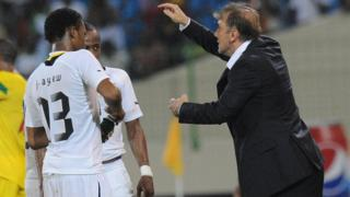 Goran Stevanovic gestures to his players during Ghana's 2-0 defeat to Mali