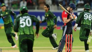 Pakistan celebrate the wicket of England opener Craig Kieswetter