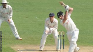 tom Maynard batting against Glamorgan