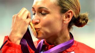 Jess Ennis kisses her gold medal