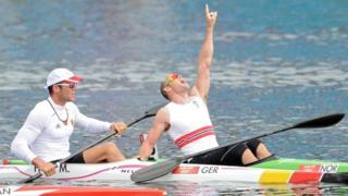 Norway's Larsen powers to kayak gold