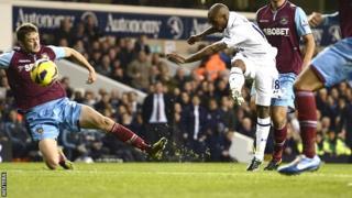 Jermain Defoe scores for Tottenham against West Ham