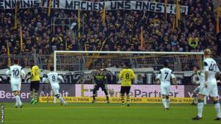 Bundesliga match between Borussia Dortmund and VfL Wolfsburg at Signal Iduna Park.