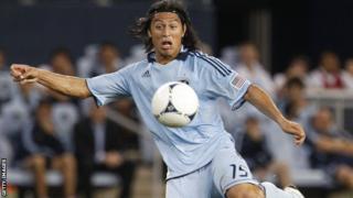 Sporting Kansas City midfielder Roger Espinoza