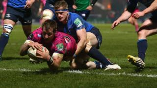 Neil Clark dives over for Leinster's first try