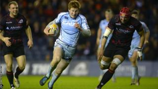 Cardiff Blues fly-half Rhys Patchell breaks to set up Mike Paterson's try as they win 17-16 at Edinburgh in the Pro12