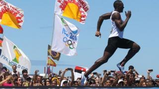 Olympic champion Usain Bolt wins 150m on Copacabana beach, Rio