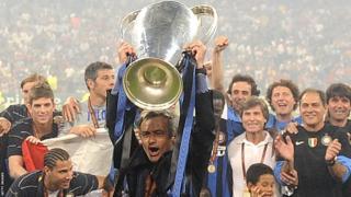 Jose Mourinho celebrates winning the Champions League with Inter