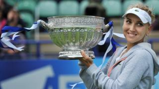 Elena Vesnina with trophy