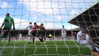 Clint Hill scores for QPR