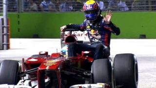 Mark Webber hitches a lift with Fernando Alonso
