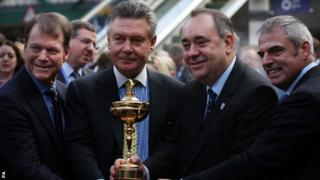 From left: American Ryder Cup Captain Tom Watson, European Trade Commissioner Karel De Gucht, Scottish First Minister Alex Salmond and European Ryder Cup Captain Paul McGinley