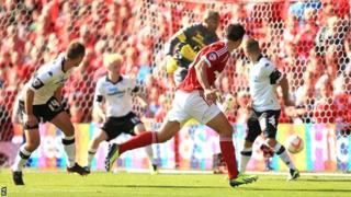 Jack Hobbs heads in for Nottingham Forest