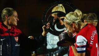 Steph Houghton kisses trophy