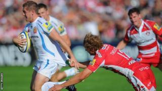 Gareth Steenson breaks against Gloucester
