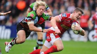 Scott Williams goes over for the Scarlets