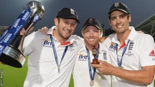 England players Tim Bresnan, Ian Bell and Alastair Cook celebrate