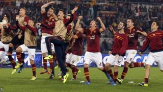 Roma celebrate beating Chievo