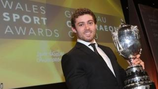 Leigh Halfpenny with his BBC Wales Sports Personality award