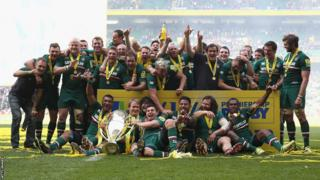 Leicester Tigers celebrate their victory over Northampton Saints