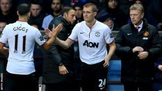 Manchester United midfielder Darren Fletcher (centre) comes on after 70 minutes against Aston Villa