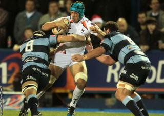 Justin Tipuric scores for the visitors in the second half
