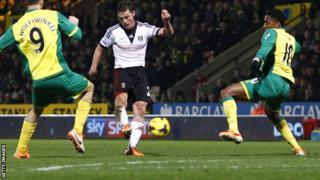 Fulham midfielder Scott Parker scores the winner against Norwich