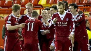 Aberdeen celebrate Willo Flood's late winner