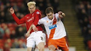 Barnsley's Brek Shea and Blackpool's Steven Davies