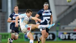 Elliott Davies in action against Sale Sharks