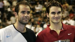 Pete Sampras (left) and Roger Federer
