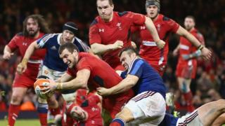 Wales defeat France in Six Nations