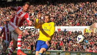 Stoke City striker Peter Crouch has an attempt during the game against Arsenal