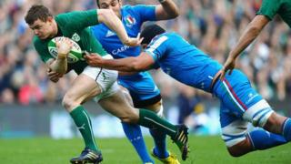 Brian O'Driscoll of Ireland breaks away during the Six Nations match between Ireland and Italy at Aviva Stadium.