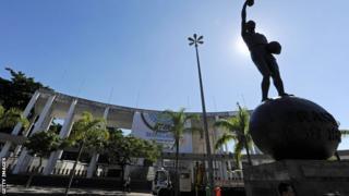Statue of Bellini outside the Maracana