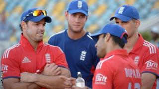 Stuart Broad (centre) with the England team
