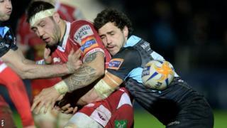 Glasgow Warriors' Alex Dunbar (right) clashes with Josh Turnbull