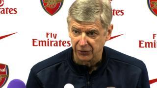 Arsene Wenger dismisses Paul Scholes's criticism of Arsenal