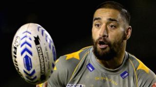Rangi Chase kicks a dramatic golden-point drop goal as Salford Red Devils knock out last year's runners up Hull FC in the fourth round of the Challenge Cup.