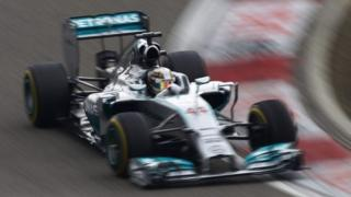 Lewis Hamilton cruises to win in China