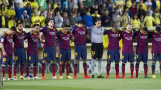 Barcelona players pay tribute to Tito Vilanova