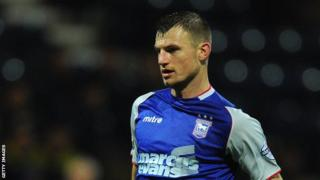 Ipswich player Tommy Smith
