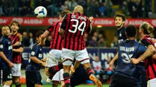Nigel De Jong scores Milan winner against Inter