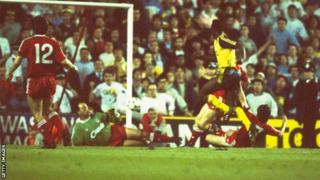 Michael Thomas scores title-winning goal for Arsenal against Liverpool