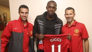 Ryan Giggs (right) with Usain Bolt (centre) and Robin van Persie (left)