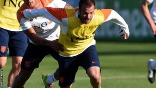 Rafael van der Vaart in training with the Netherlands side