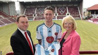 Ian Murray, defender Jordan McGhee and Ann Budge