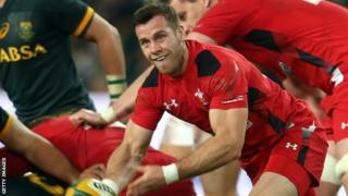 Gareth Davies takes on South Africa