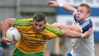 Donegal's Christy Toye and Monaghan's Colin Walshe