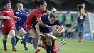 Wales began their Women's Rugby World Cup campaign with a 26-0 defeat by hosts France.